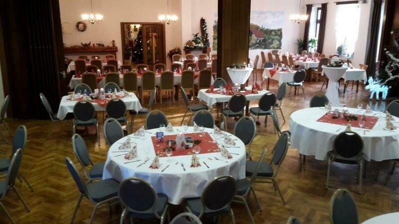 Saal zur Weihnachtsfeier