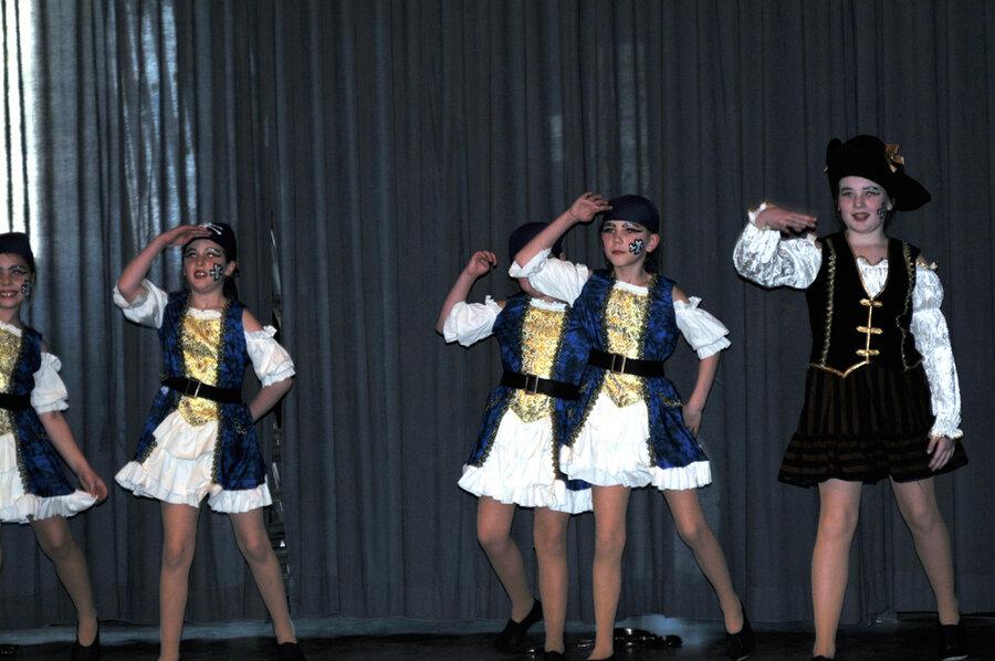 Dorfelder Mini Firegirls