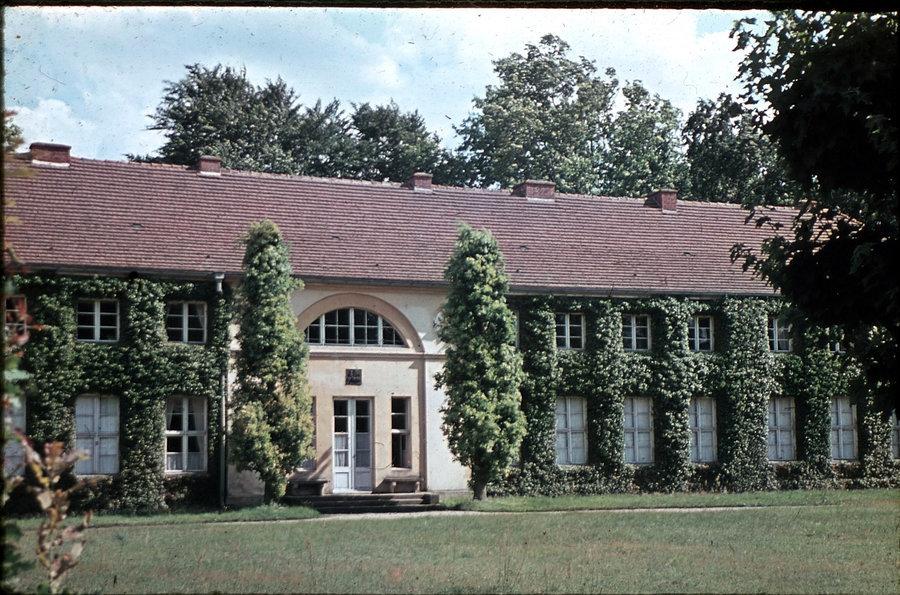 Schloss Paretz - mit Efeu, Foto: Zentralinstitut für Kunstgeschichte München