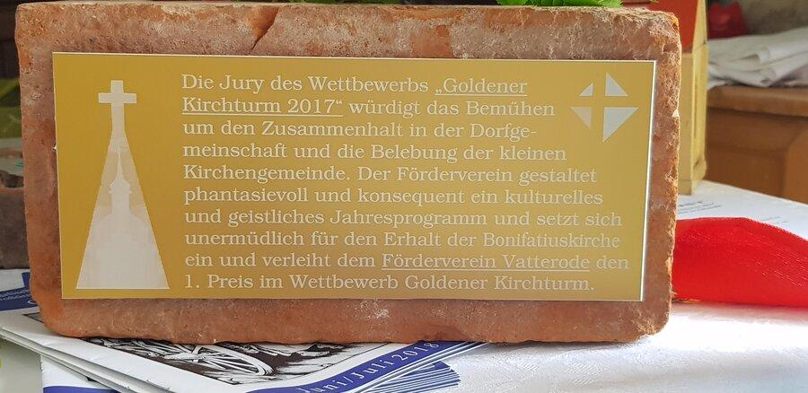 Wettbewerb_gold.Kirchturm_Gedenkstein