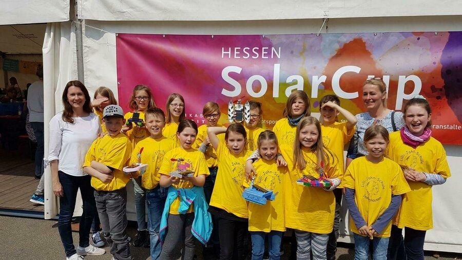 Solarboote Cup mit Teams und Lehrerin Frau Gundlach