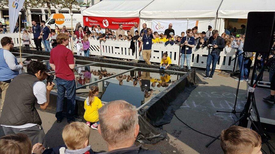 Rennen mit anderen Solarbooten