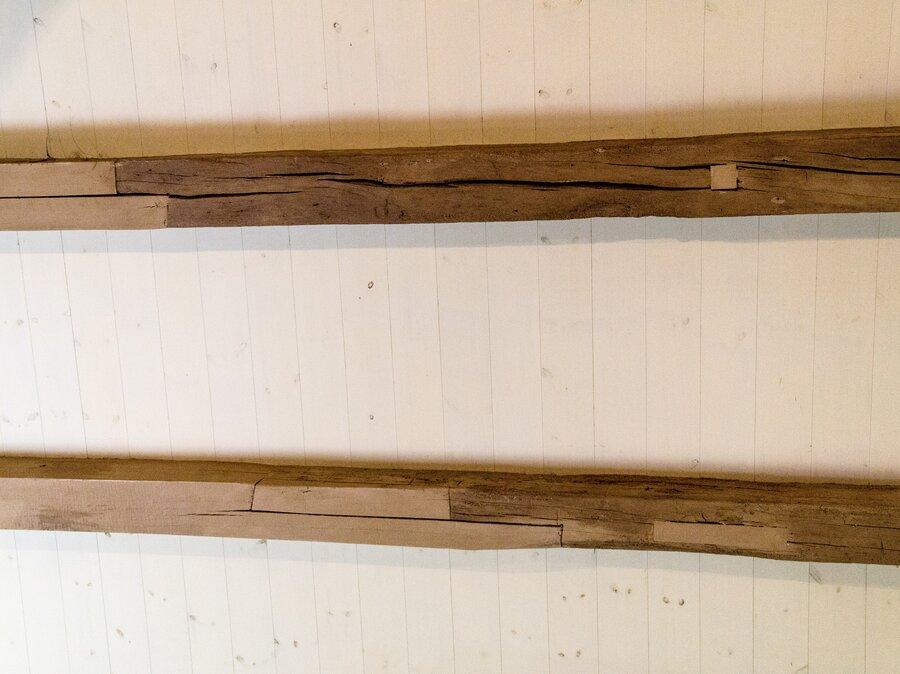 Restaurierte Dachstuhlbalken