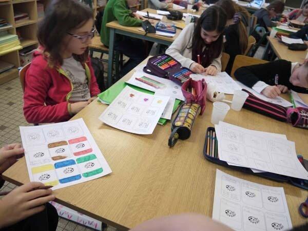 Schüler beim Zeichnen