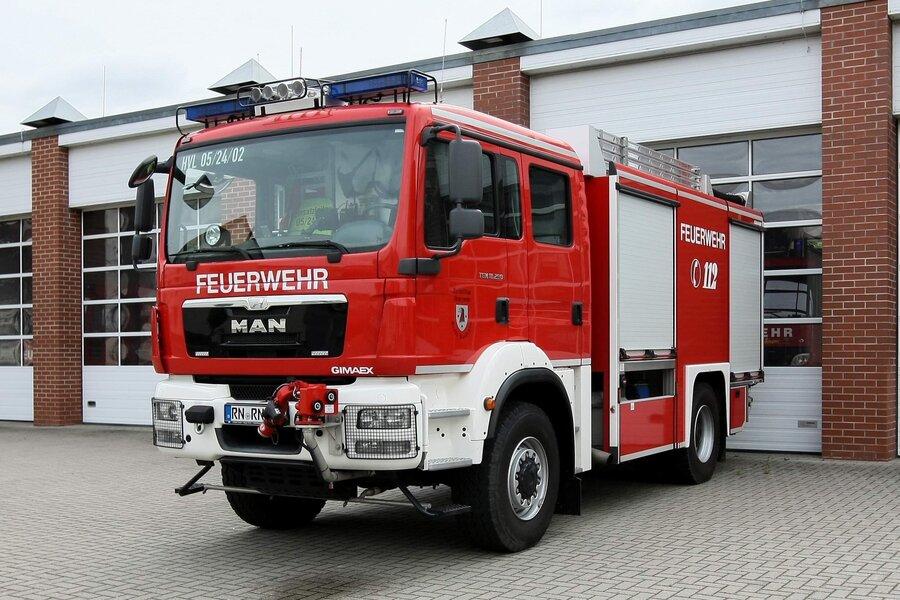 TLF 4000 - Tanklöschfahrzeug  ;  Florian 05/24/02