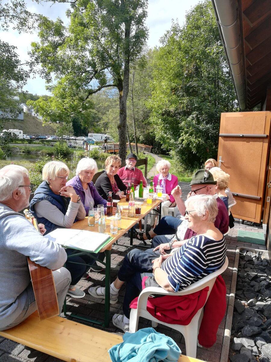 Seniorenkaffee am Gambachsweiher HuV Hohenhain