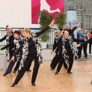 Aktive Senioren Leipzig - Kreativer Tanz beim Auftritt zur Messe Haus-Garten-Freizeit