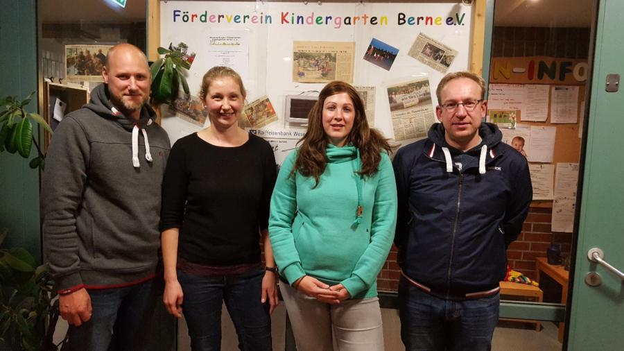 Amtierender Vorstand (v.l.): 2. Vorsitzender Harald Hayen, Schriftführerin Christine Lichtner, Schatzmeisterin Ulrike Schnibbe, 1. Vorsitzender Sergei Keller