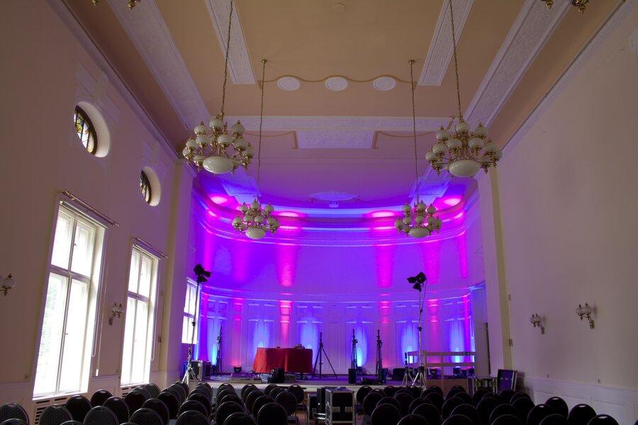 Stadthalle_GR_20140627_0023_kl_Saalneu