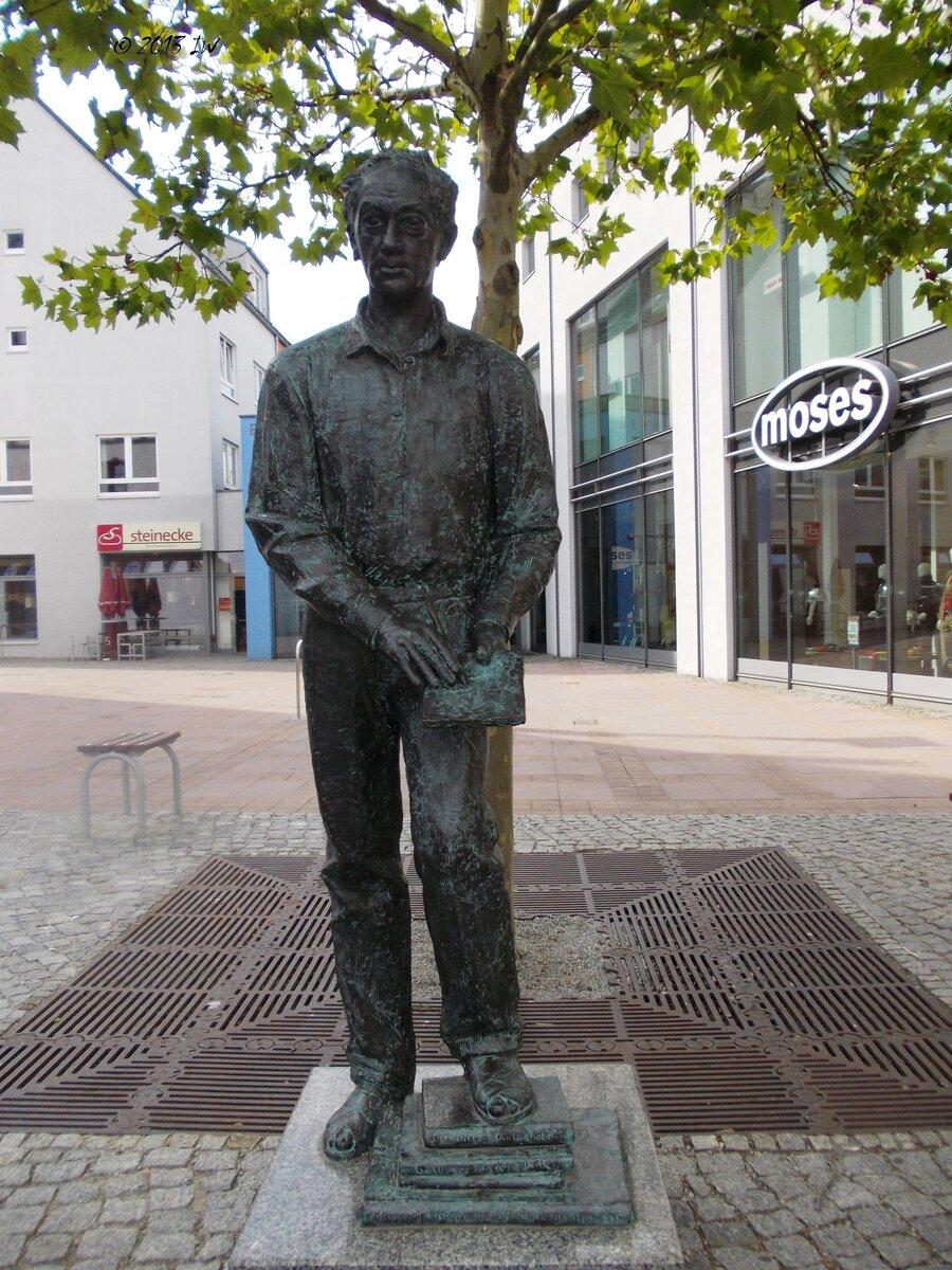 Bronzestatue Gerhard Goßmann