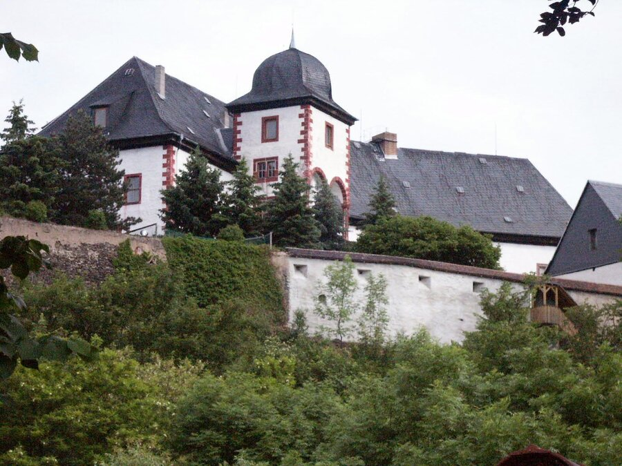 Burgmauer nach der Fertigstellung