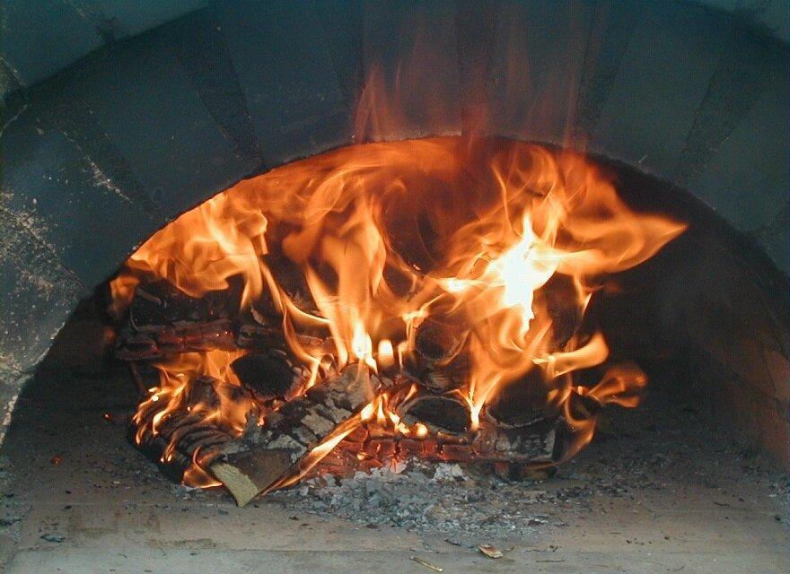 Ein ordentliches Feuer im Backraum