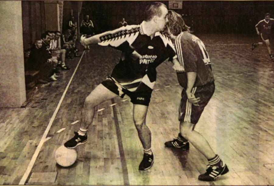 Marcel Richter behauptet den Ball