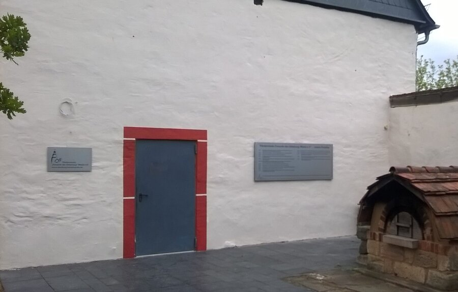 Die Fassade ist renoviert