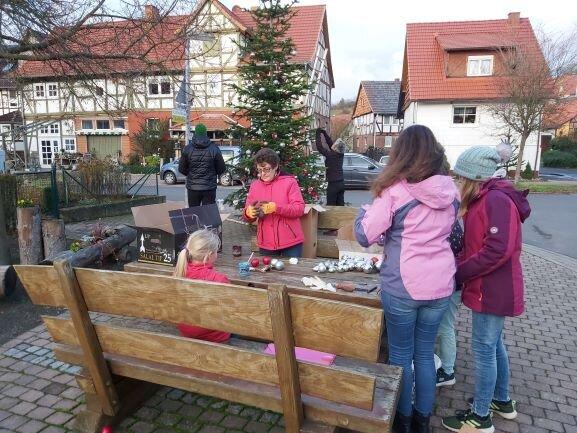 Dorfplatz_Baum