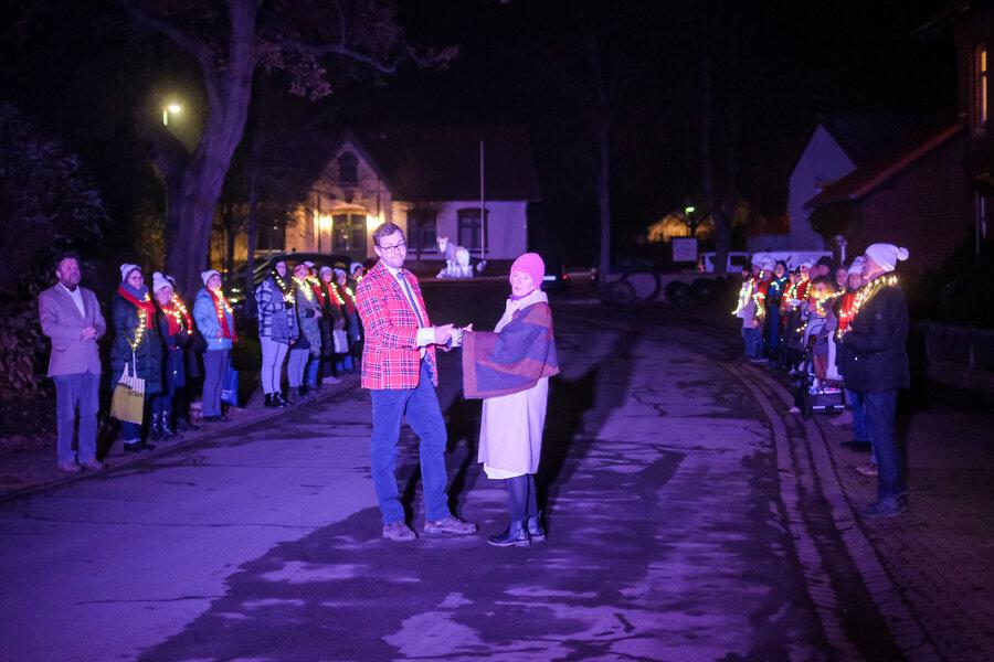 Selma (Dorothea Voigt) und Heinrich (Daniel Persson). Foto: Clemens Heidrich