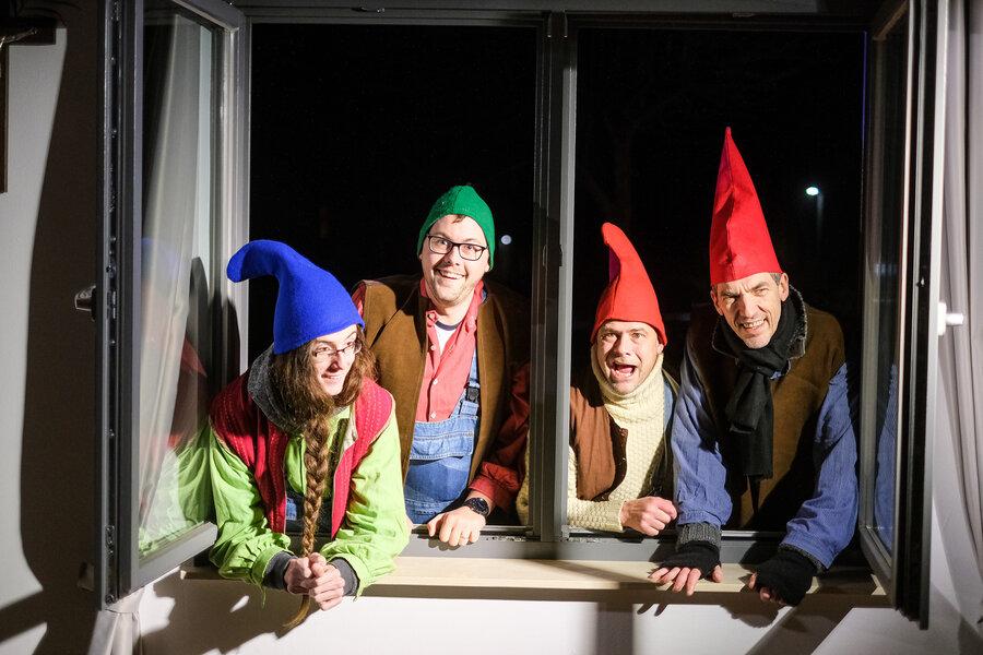 Zwerge (Heinrich Mandel, Daniel Persson, Oliver Dressel, Godehard Langlott). Foto: Clemens Heidrich