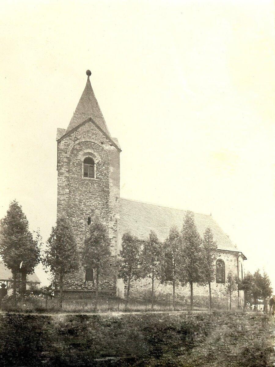 Au_enansicht_der_Kirche_2
