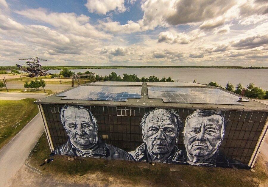 Geb_ude_mit_Grafitti