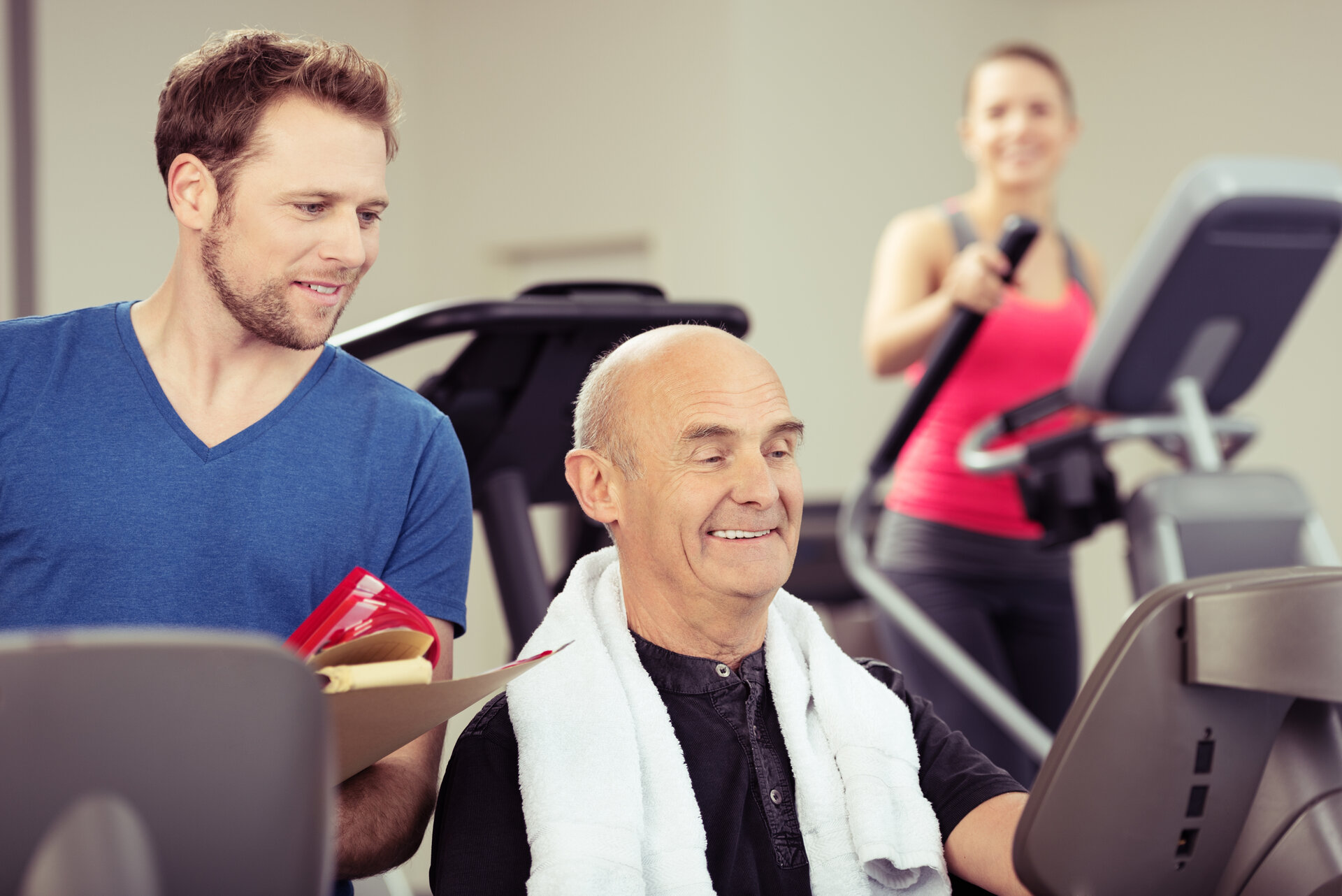 Bildunterschrift- Gerätegestütztes Herz-Kreislauftraining