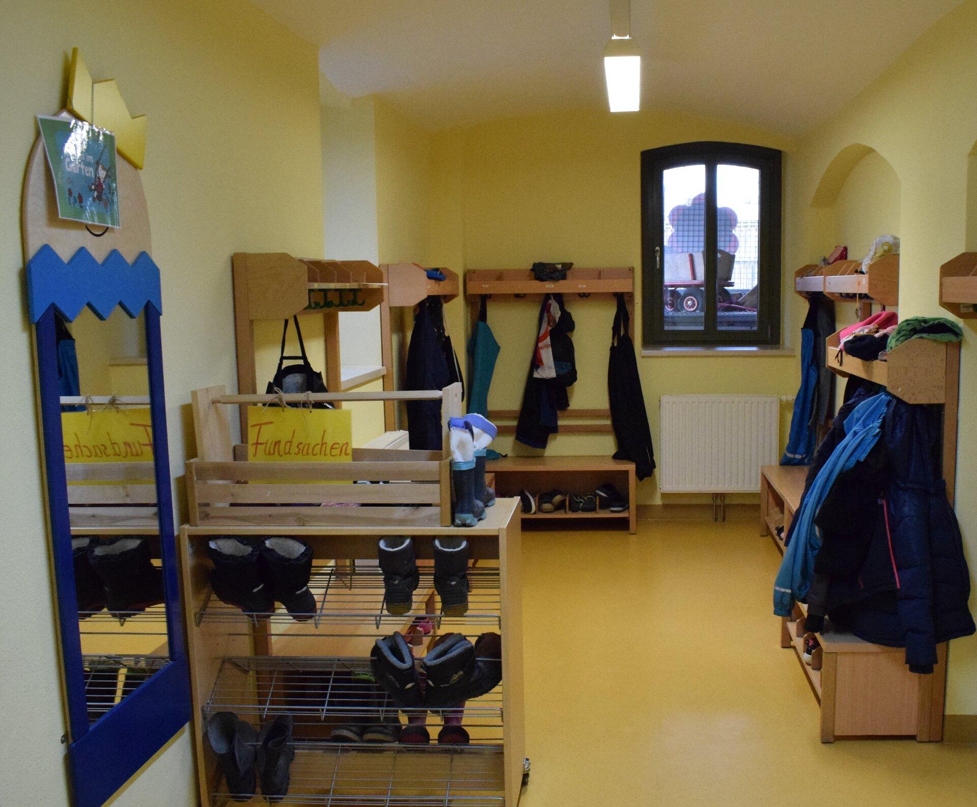 Garderobe der Hortkinder