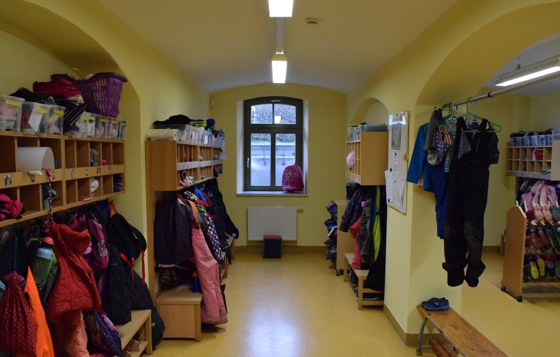 Garderobe der Kindergartenkinder
