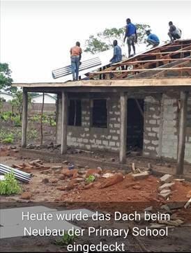Eindeckung Dach Schule