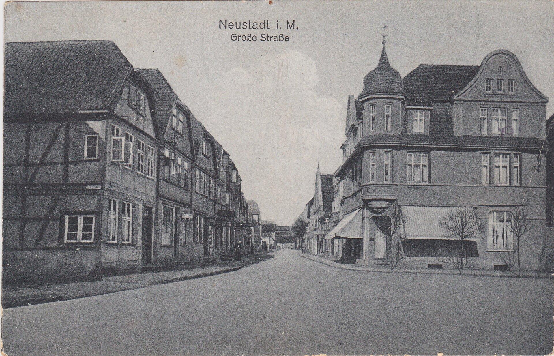vom Markt Richtung heutigen Kreisverkehr, links ist das schiefe haus, rechts heutiger Frisör, Aufnahme vor 1920