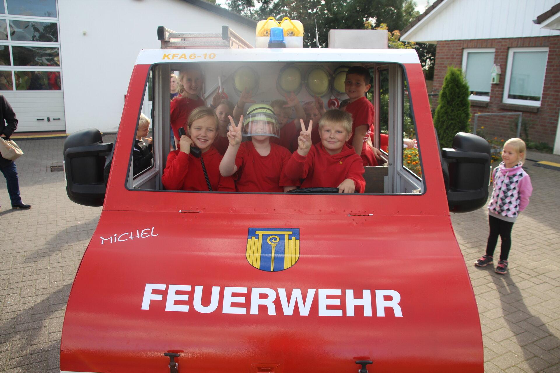 Einsatzfahrzeug der Kidswehr