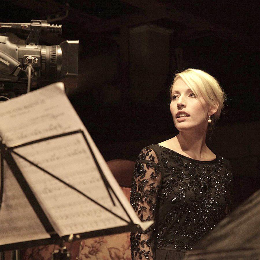 Lena Haselmann – Gesang