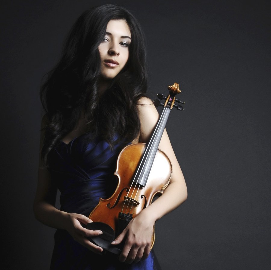 Elena Kuschnerova – Klavier