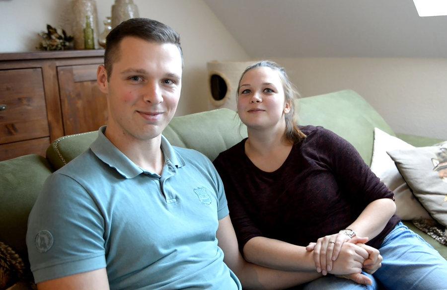 Marco und Laura Paulick fühlen sich in ihrer Heimat Lauchhammer am wohlsten. Ende Oktober dieses Jahres haben sich beide das Ja-Wort gegeben.
