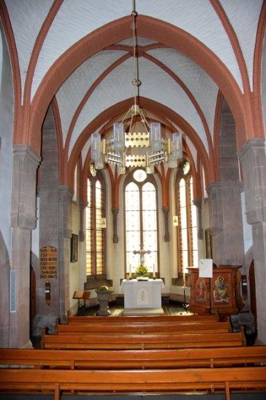 Innenraum der ev. Gustav-Adolf-Kirche
