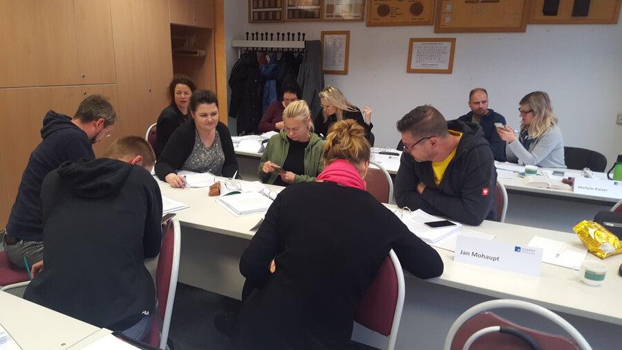 Gruppenarbeit beim AdA Kurs