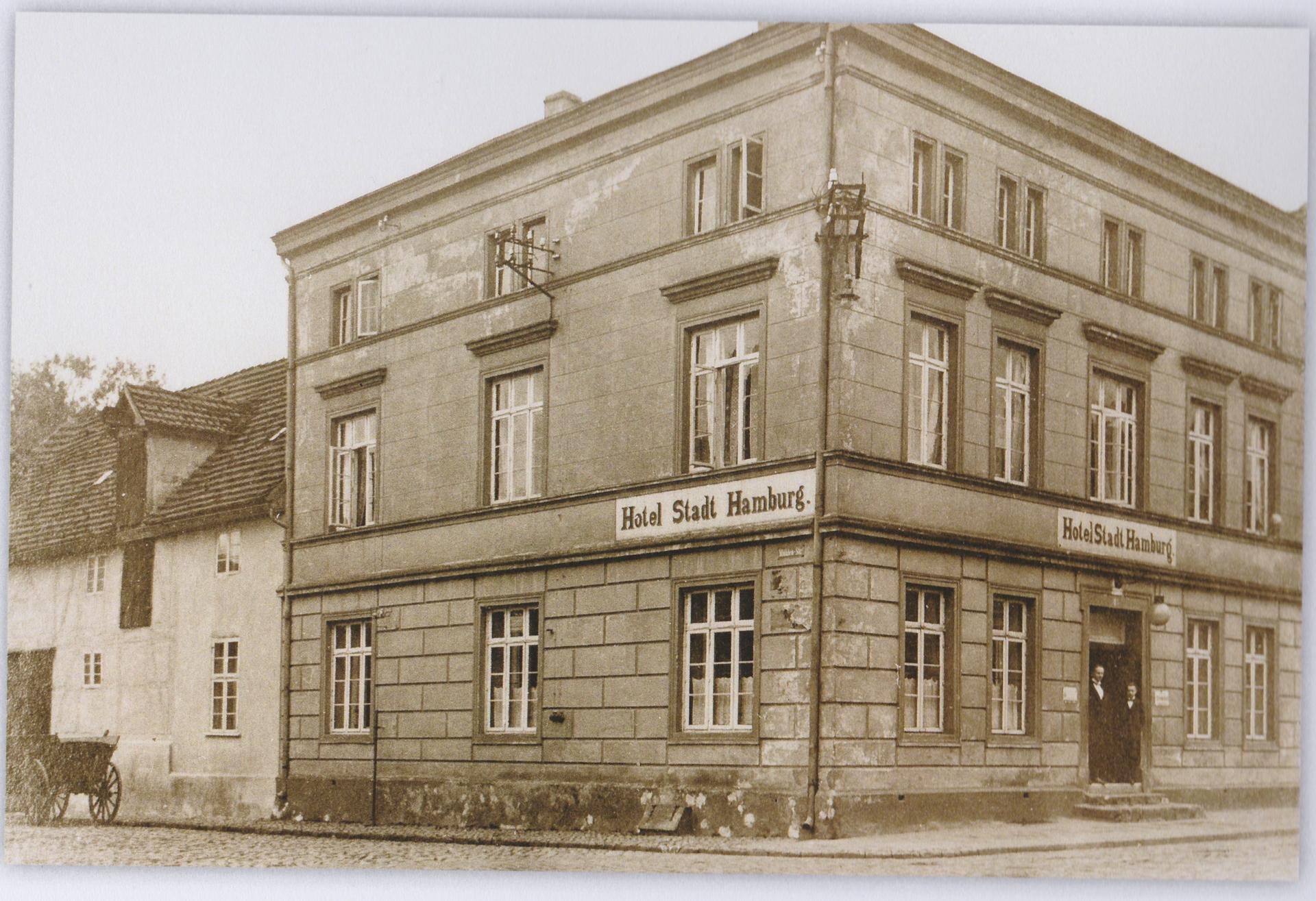 Hotel_Stadt_Hamburg_-_Weinaug1