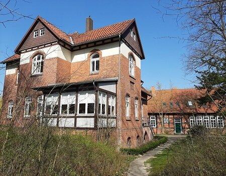 Pfarrhaus_und_Gemeindehaus1