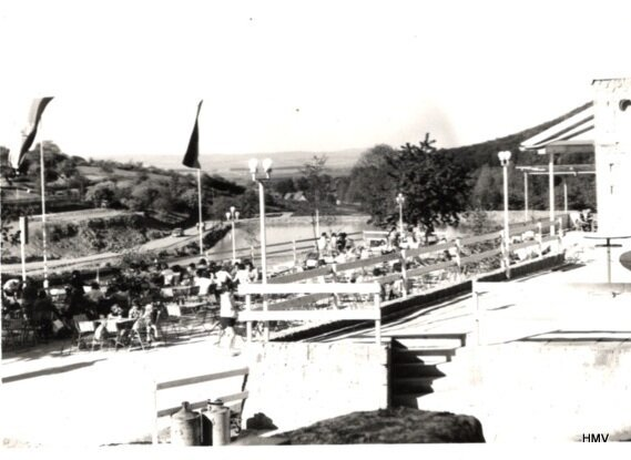TT 1977