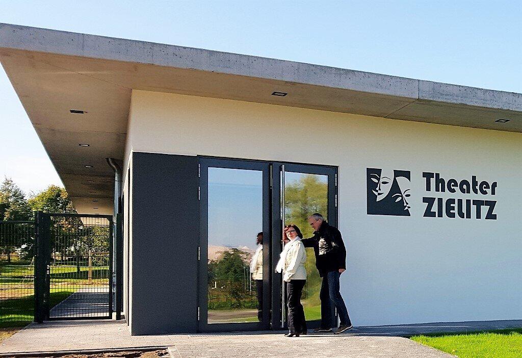 Besucher_Theater_Zielitz_f_r_Banner_1024x702_2_
