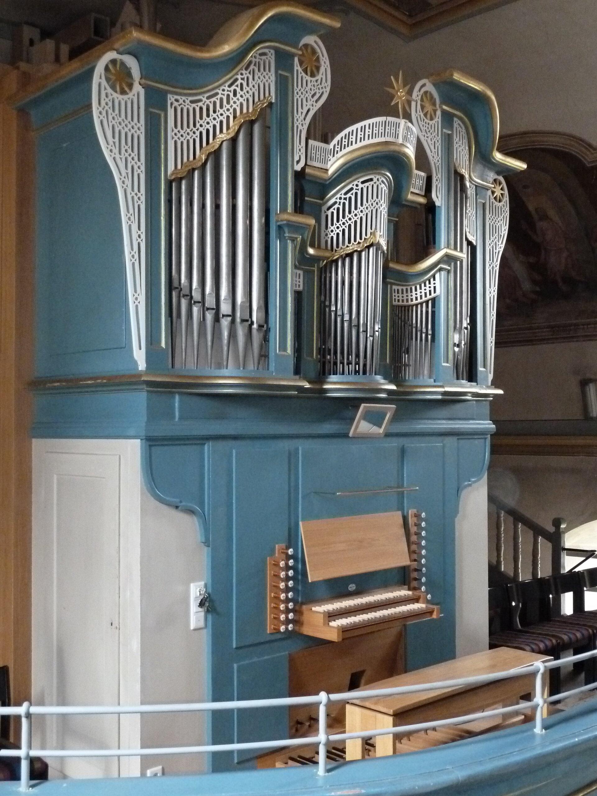 Orgel seitlich