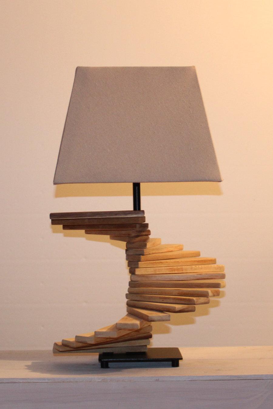 Lampe mit Leisten, individuell zu verstellen