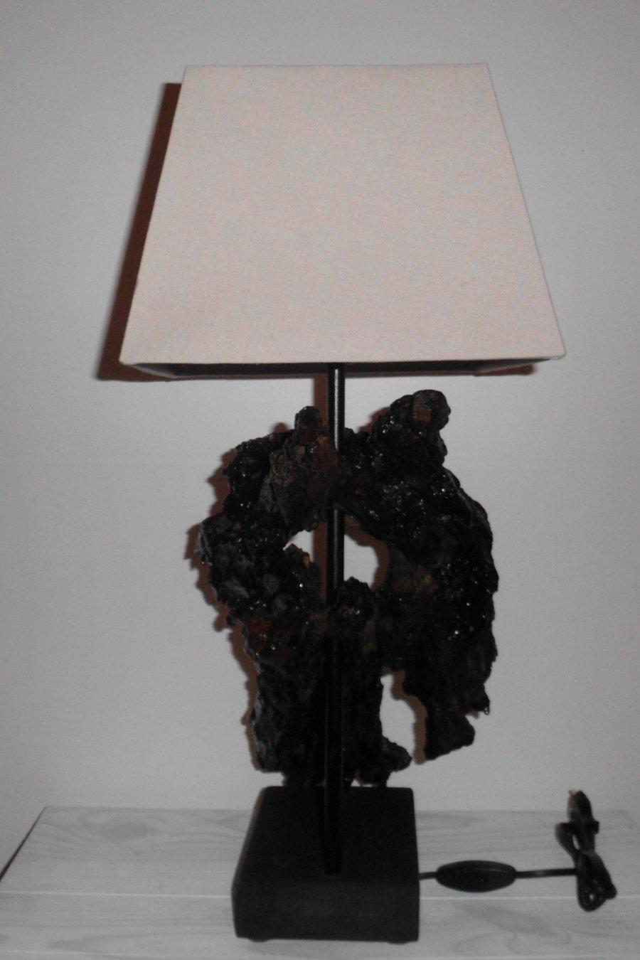 Lampe aus zersetzten Holz.