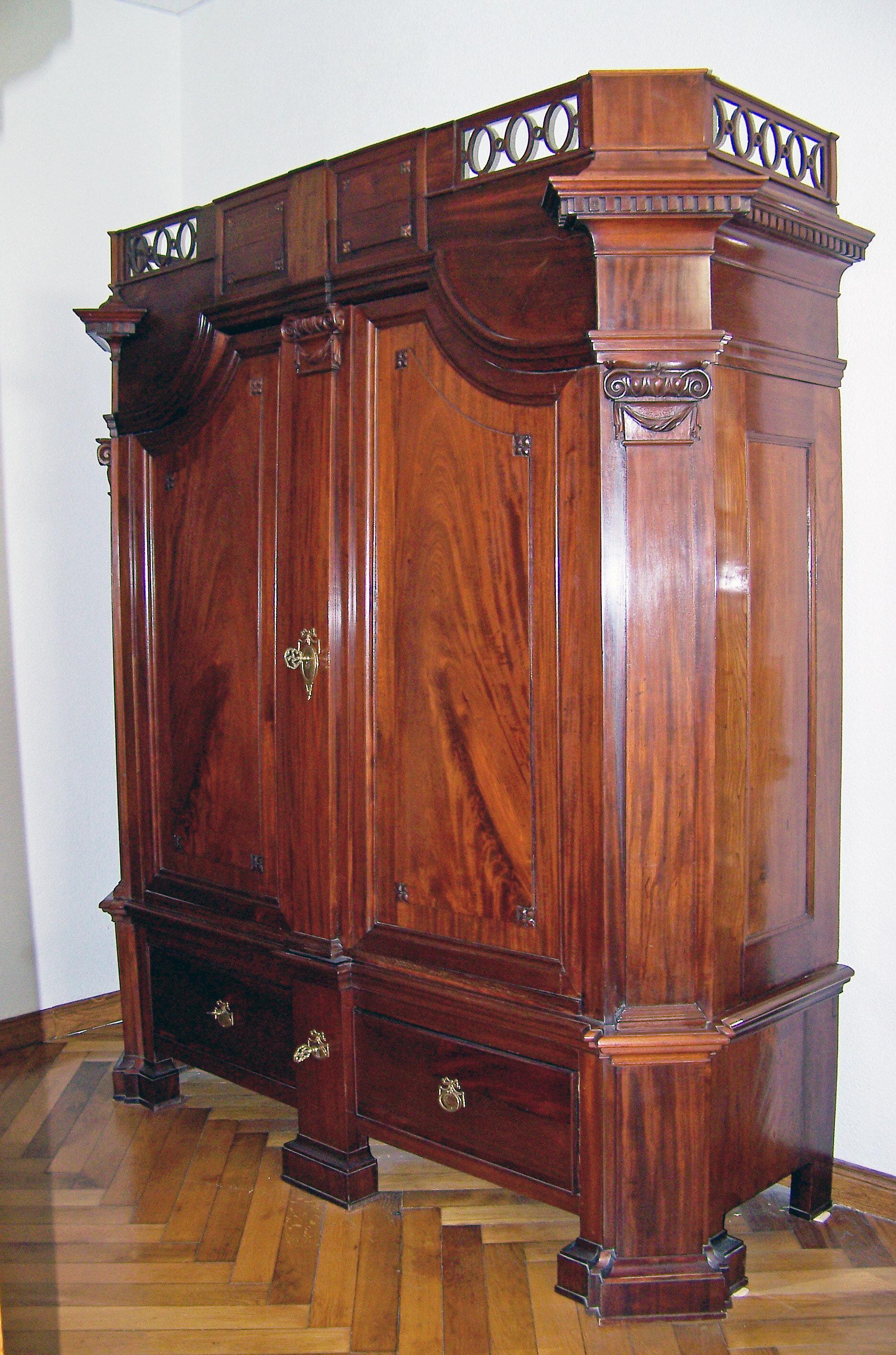 Kleiderschrank, um 1870, Mahagoni