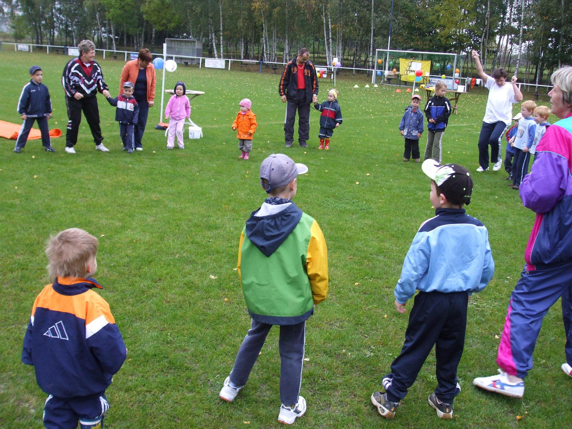 Aufwärmung Familiensporttag 2007