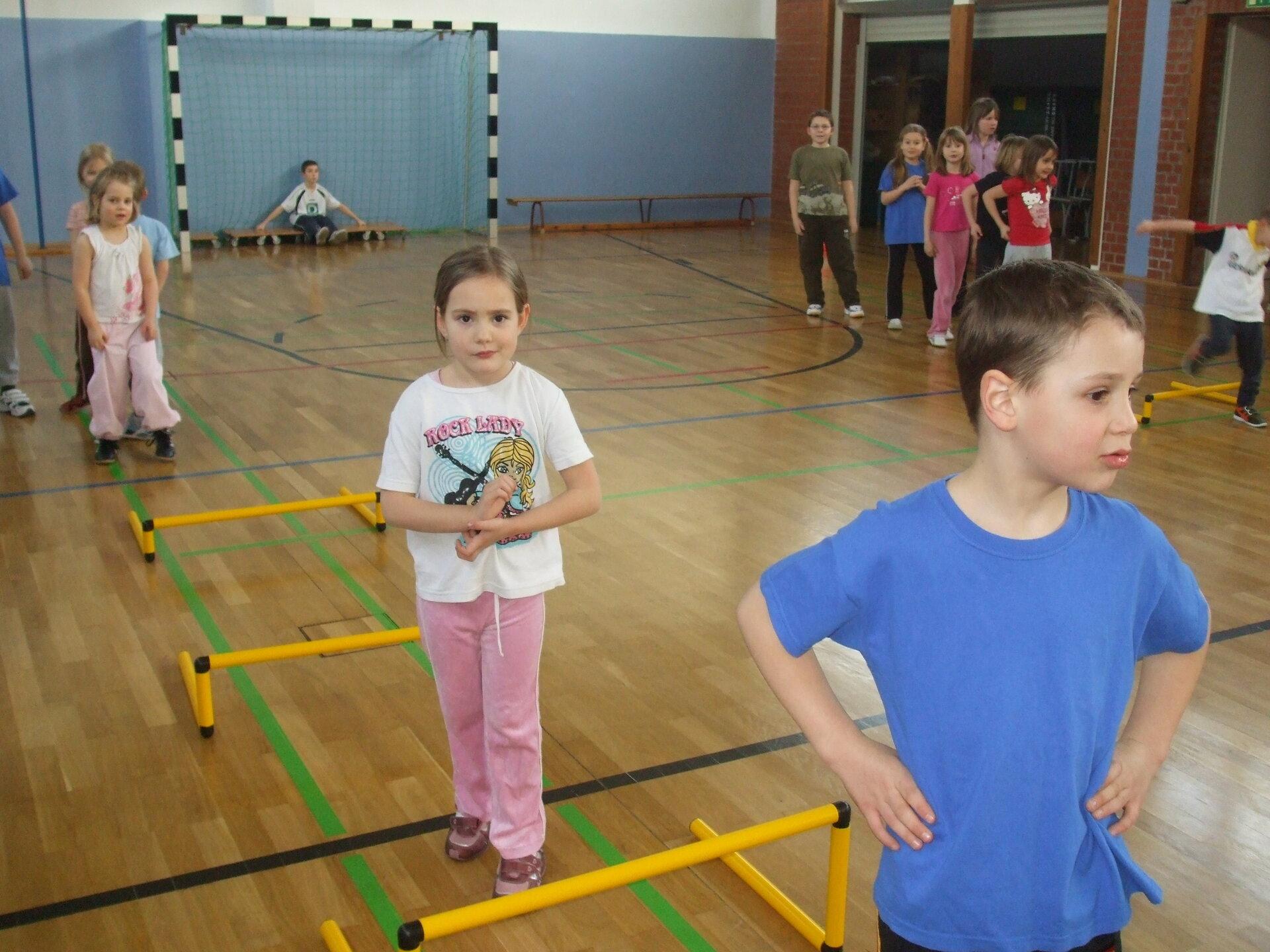 Ein Übungsnachmittag der Turnkinder im März 2009
