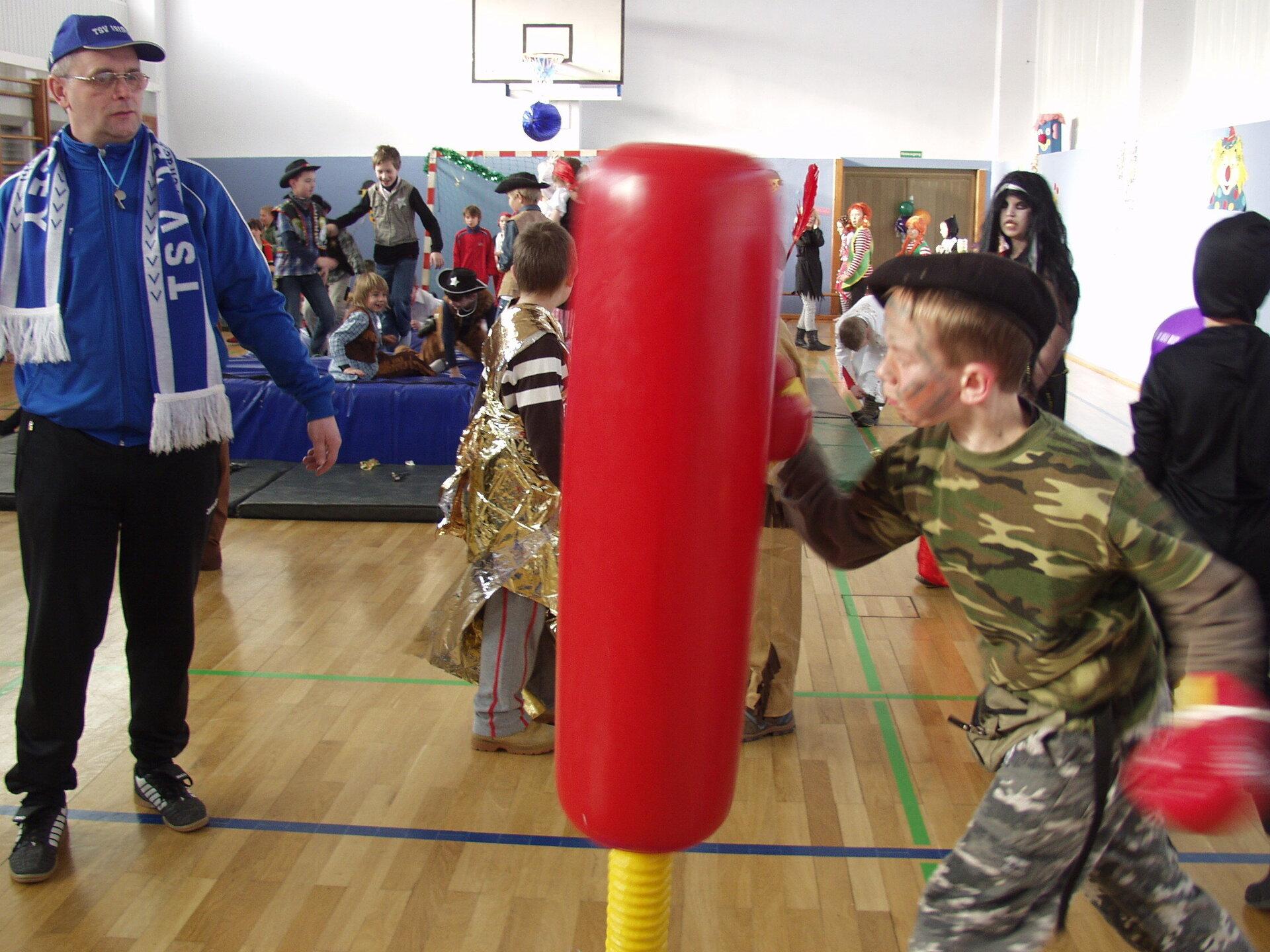 Kinderfasching Grundschule und TSV 2009