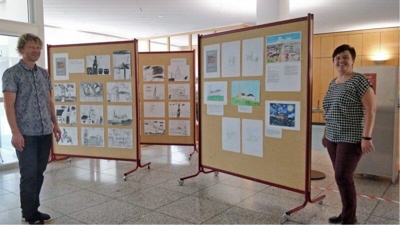 Symbolische Ausstellungseröffnung