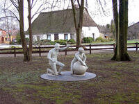 Eine Arbeit des Künstlers im Park von Osterstedt