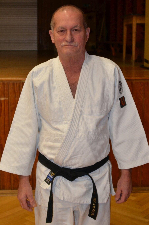 Egon Schach