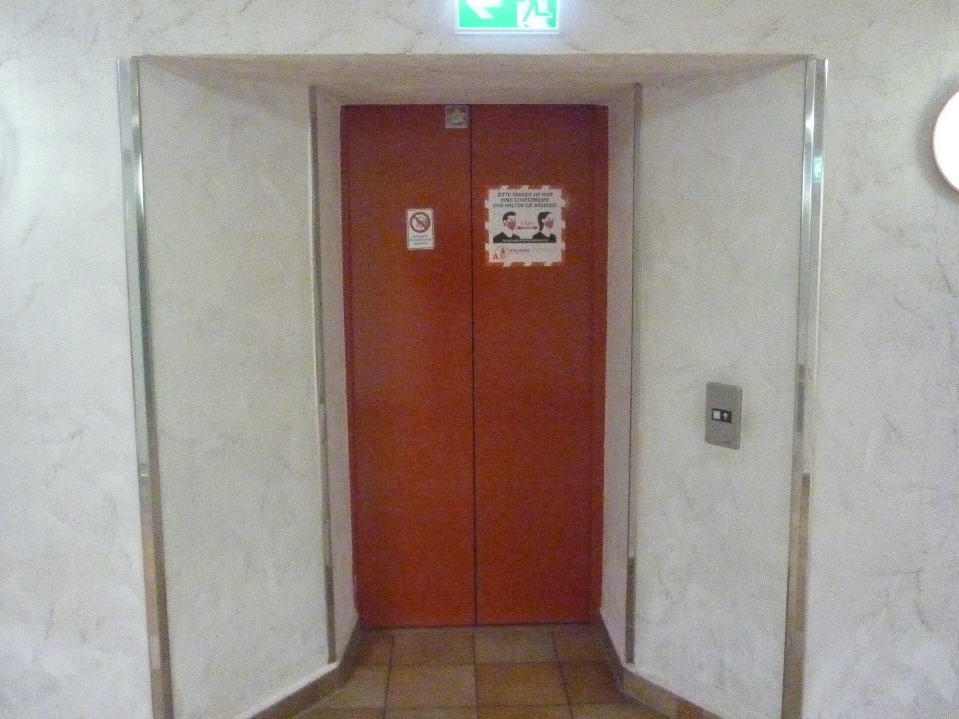 Aufzug im Roland Ärztehaus Stendal
