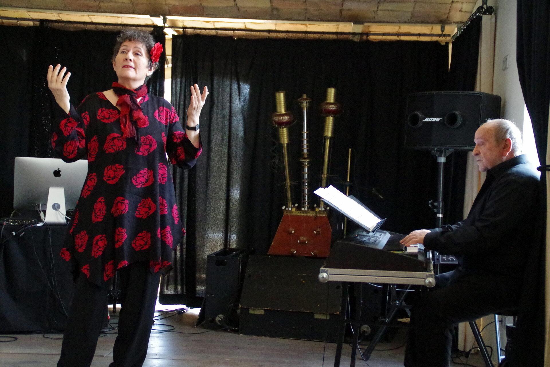 Jane Zahn und Hans-Karsten Raecke im Konzertraum